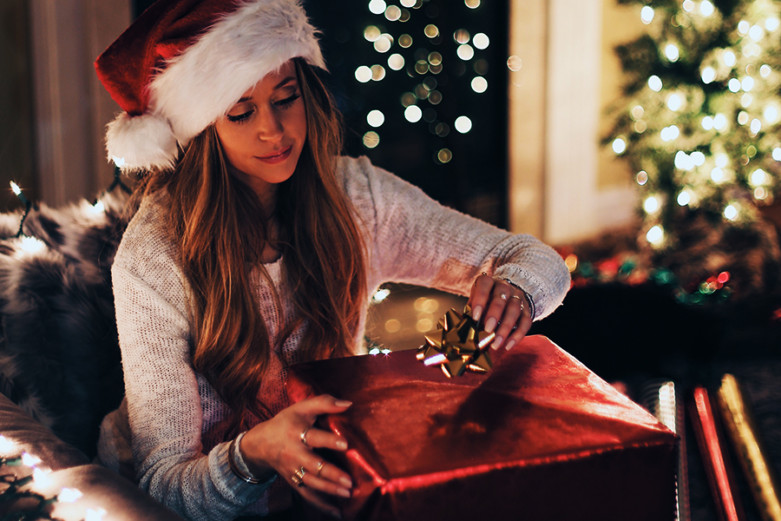 How to Enjoy The Holidays When You're Saddled With Student Loans