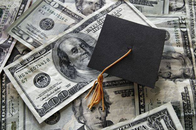 Should I Consolidate Student Loans?