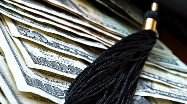 7 Grants to Pay off Student Loans